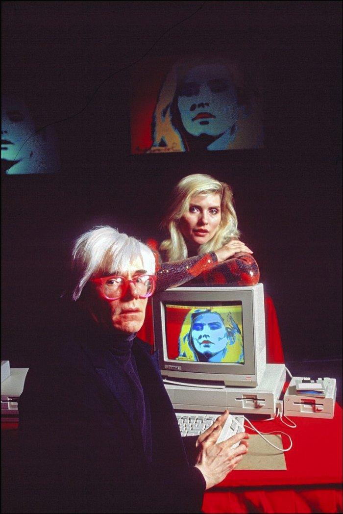 Andy Warhol desenha Debbie Harry num Amiga