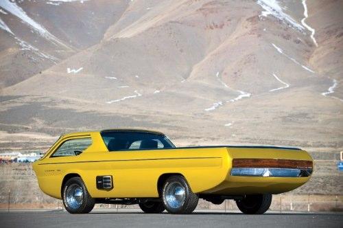 Esse Dodge Deora foi criado para o Detroit Autorama por Mike e Larry Alexander.Anos depois, ele acabou se tornando um dos primeiros carros da Hot Wheels. Esse é um carro do futuro visto pelos olhos de 1965.
