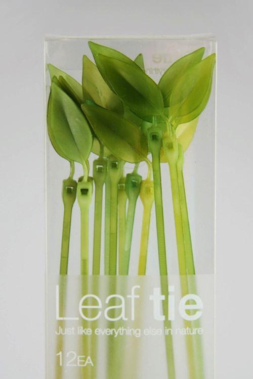 Leaf Tie é uma presilha de plástico criada pelo Lufdesign. De uma beleza e simplicidade singular, eu ficaria feliz de trocar todas as que eu tenho em casa por umas dessas.