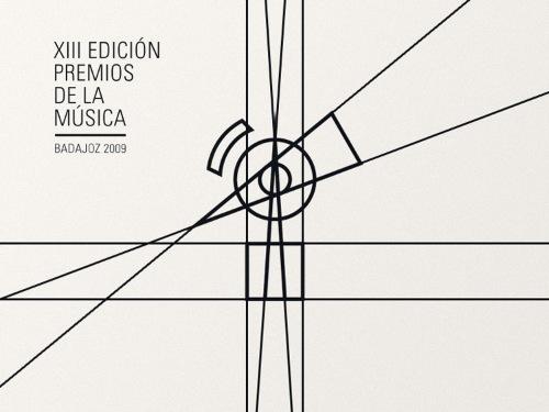 Estudio Ritxi Ostáriz trabalha com design gráfico e editorial. Sendo que a maioria dos seus projetos são voltados para projetos culturais e musicais. Sejam eles livros e catálogos de arte, capas de discos, posters ou merchandise.