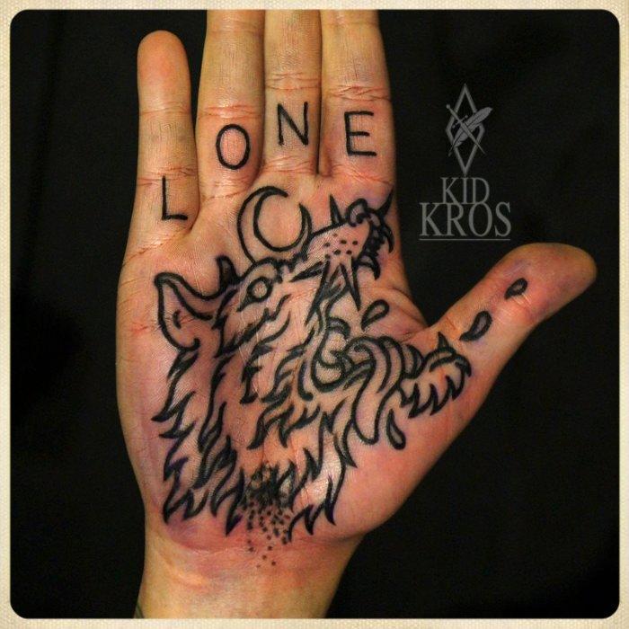 Kid-Kros é um tatuador croata com um portfolio de tatuagens bem único em estilo e cores. Sua atenção para detalhes é fora do comum e o seu estilo de ilustrações está entre meus favoritos. Dêem uma olhada nas imagens abaixo e pronto.