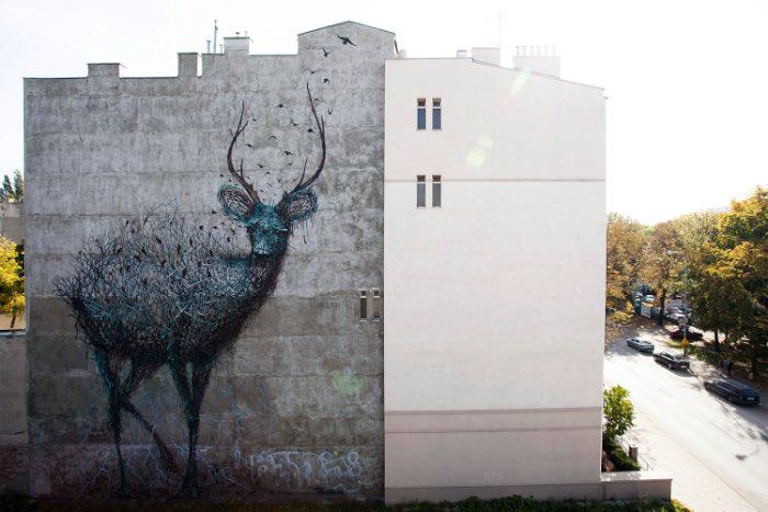 DALeast é um dos artistas de rua mais prolíficos da atualidade. Mas, ele não para por ai já que ele também trabalha com escultura e arte digital. A maioria do trabalho do DALeast é repleto de objetos trançados de forma complexa que criam animais e outras formas. Algumas dessas imagens podem ser vistas logo abaixo.