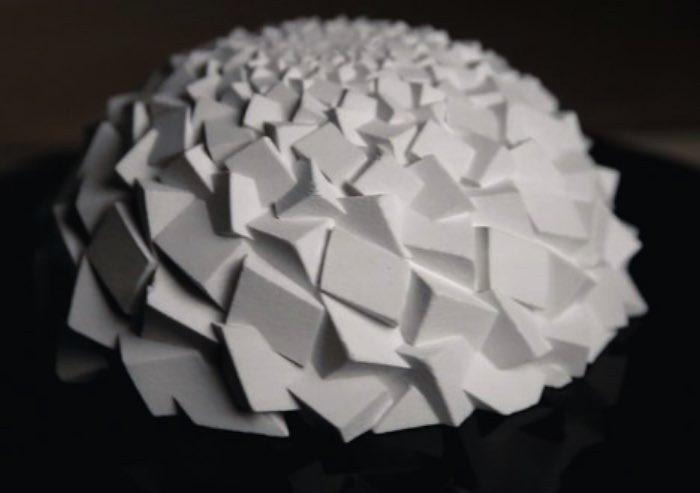 Não esperava que veria Ilusões de Ótica surgindo de esculturas criadas por impressoras 3D mas é isso que John Edmark criou. Blooming Zoetrope Sculptures é o nome que ele deu para a série de esculturas que ele criou usando a sequência Fibonacci e uma série de ângulos dourados naturais.