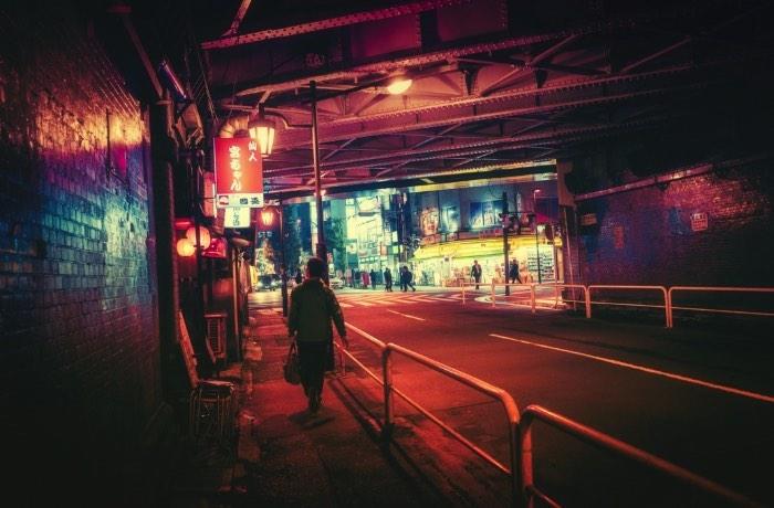 Masashi Wakui é um fotógrafo japonês cujo trabalho de fotografia é repleto de belíssimos retratos noturnos de Tóquio. A capital japonesa nunca pareceu tão cinematográfica quanto nas fotos que você vai ver aqui