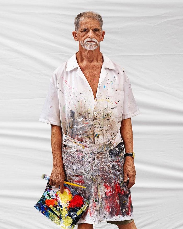 Somos Brasil é uma exposição multimídia e um livro criado pelo fotógrafo britânico Marcus Lyon. Nesse projeto ele explora a diversidade visual da identidade brasileira no século em que vivemos. Tudo isso através de retratos em alta resolução e um aplicativo que mostra um pouco do DNA da pessoa e o som ambiente enquanto a fotografia estava sendo feita.