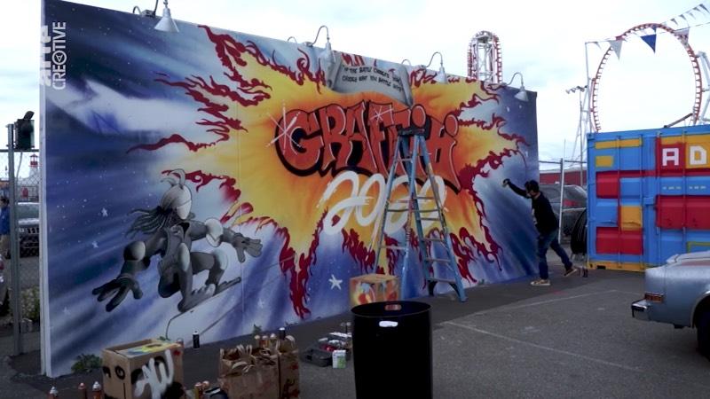 O graffiti moderno, esse que vemos nos dias de hoje assim que saímos de casa, surgiu de formas diferentes ao redor do mundo e tem uma história bem diferente dependendo de onde você quer olhar primeiro. No documentário The Rise Of Graffiti Writing, você vai poder acompanhar o nascimento do movimento do graffiti e suas raízes nos anos setenta e o crescimento e a popularização do estilo.