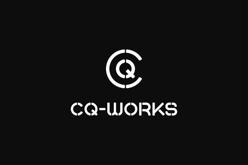 CQ-Works é um espaço colaborativo para pessoas ambiciosas no coração da cidade de Derby, na Inglaterra. O local vem com quatro salas espaçosas que tem tudo que você pode precisar para trabalhar direito. Além das facilidades clássicas de todo co-working space, esse é um local para quem quer trabalhar de forma inteligente. E foi isso que acabou sendo refletido na identidade visual que você pode ver logo abaixo.