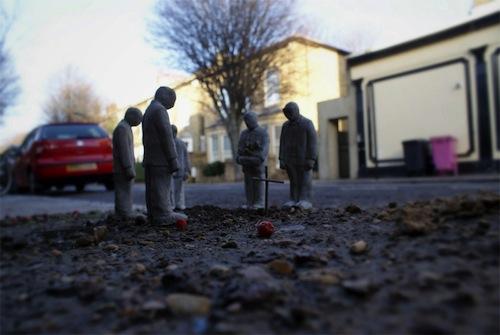 As pequenas estátuas de Isaac Cordal