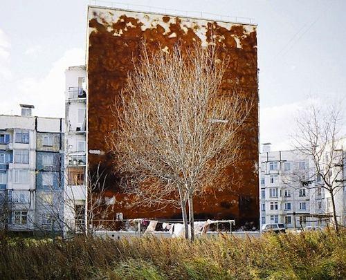 Less Than One é o nome desse projeto fotográfico de Alexander Gronsky. O nome foi escolhido devido ao diminuto número pequeno de pessoas por metro quadrado nas regiões remotas da Rússia.