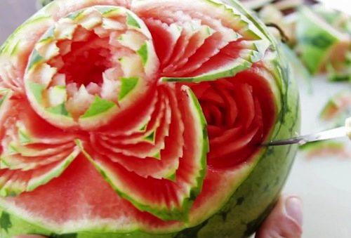 A arte de esculpir frutas — pristina everything design