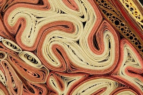 Algumas vezes vejo trabalhos de ilustração com objetos do dia a dia e fico pensando nos motivos pelos quais poucas pessoas fazem esse tipo de trabalho. Lisa Nilsson é uma dessas pessoas que resolveu fazer um trabalho diferente quando criou a anatomia de papel.