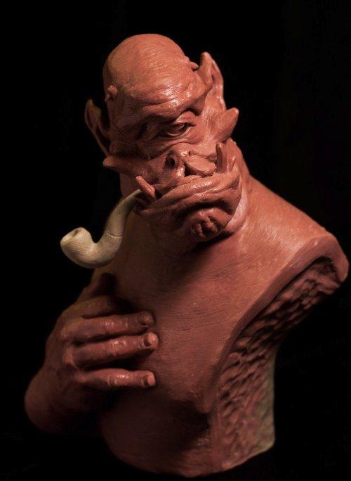Jengabean mistura partes do corpo para criar esculturas estranhas e que, muita gente, iria chamar de nojentas. Entre todas as imagens que vi dele, minha favorita é a língua com dentes abaixo. Consigo imaginar monstros de filmes de terror aliens tendo algo assim e espero que alguém já tenha feito isso por ai.