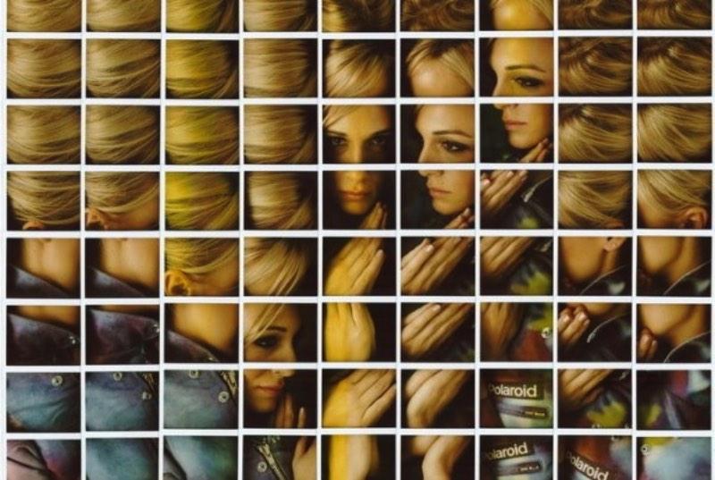 Gosto muito da forma criativa com a qual o fotógrafo passou a criar seus mosaicos. Inicialmente, fiquei pensando se as fotos aqui não seriam colagens digitais se passando como produto analógico mas depois de assistir ao vídeo acima, percebi que as coisas não são tão simples assim. Os mosaicos de Polaroid do Maurizio Galimberti são feitos a mão, com muita técnica e criados através de uma ótica inédita. Por isso mesmo que tivemos que publicar o trabalho dele por aqui, o mundo precisa de mais gente vendo as coisas de um jeito diferente.