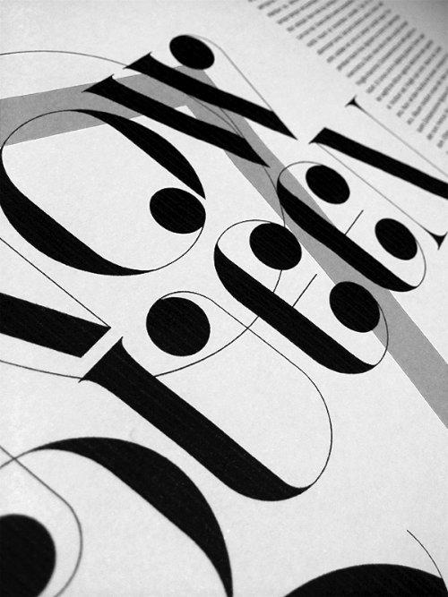 Port Vintage é uma dessas fontes que você fica observando cada detalhe, cada curva e vendo o trabalho que deve ter dado desenvolver tudo aquilo. Mais um belíssimo trabalho do português João Oliveira.