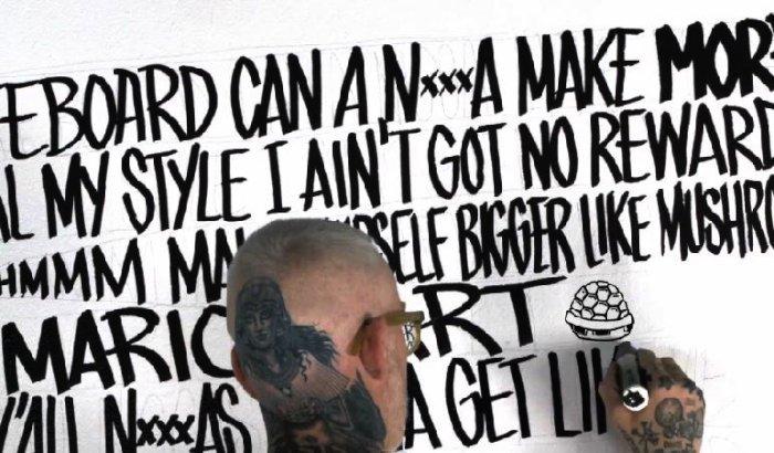 Não sei muita coisa sobre o Major Lazer, sobre o Pharrell Williams e sobre esse video abaixo. Mas gosto de ver o Mike Giant fazendo lettering com canetões. Um dia irei entender por que que uma música chamada lata de aerosol não tem nenhuma lata de aerosol. Veja o video abaixo e aproveite.