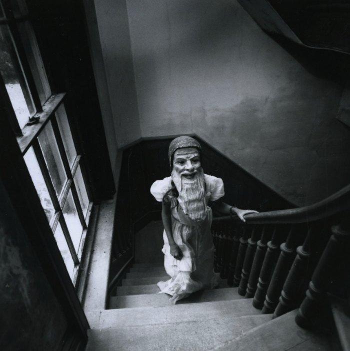 Era o final dos anos sessenta quando Arthur Tress começou uma série de fotografias inspiradas pelos sonhos de crianças. A ideia era que cada criança viesse até ele com um sonho que ela tinha e Arthur Tress iria recriar esse sonho artisticamente usando a criança como centro da obra. Todas as fotos foram produzidas em preto e branco e mostram um lado bem estranho do subconsciente infantil.