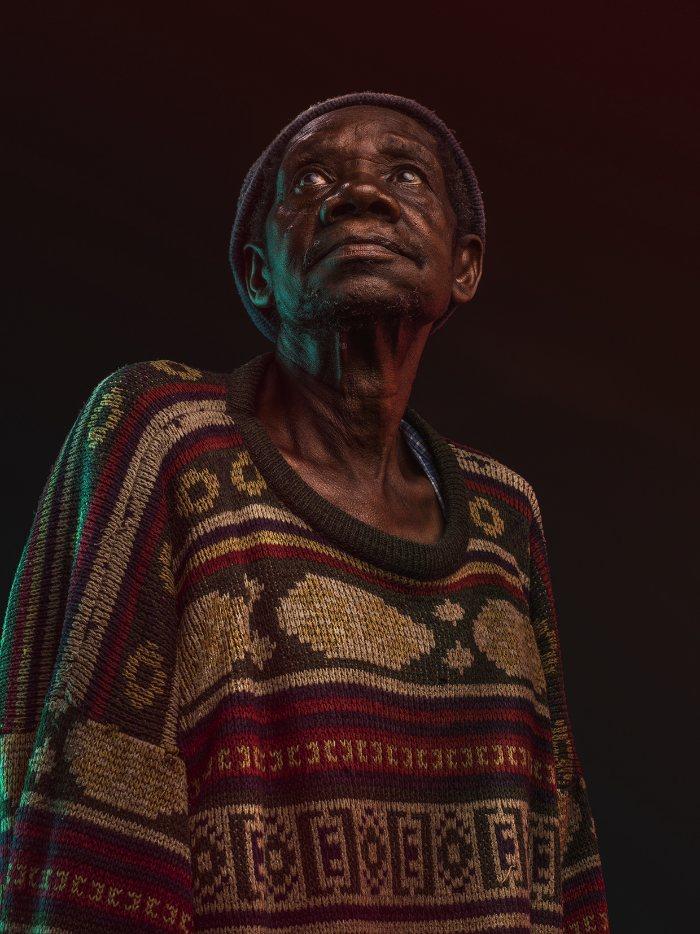 Osborne Macharia fotografou alguns dos homens de Kawangware, uma cidade perto de Nairóbi, lá no Quênia.