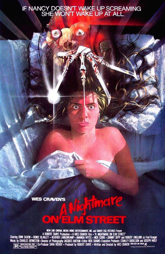 Aproveitando que hoje é Halloween nos Estados Unidos, resolvi fazer um post com alguns dos meus posters favoritos de filmes de terror. Se você quer assistir algum filme de terror hoje e não sabe onde encontrar esses filmes, você pode clicar aqui e encontrar alguns links para filmes no youtube.