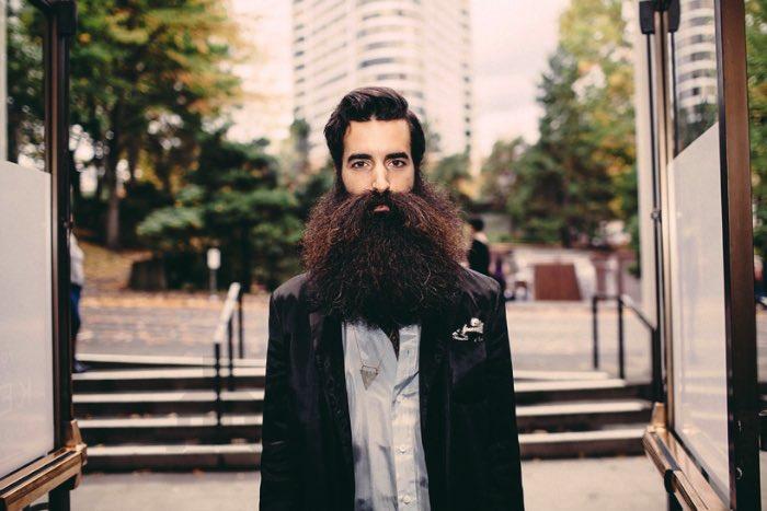 Jaclyn Campanaro estava em Portland para fotografar o que acontecia durante mais um the World Beard and Moustache Championships. Lá, centenas de barbudos de todos os lugares do mundo se reuniram para mostrar suas barbas e bigodes.