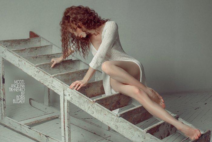 Algumas pessoas dizem que existe uma linha bem sutil entre o que é fotografia erótica e pornografia. E é ali que o trabalho do fotógrafo russo Boris Bugaev pode ser encontrado.