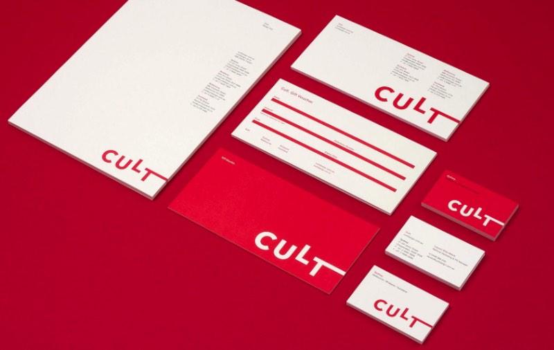 Design by Toko é um estúdio de design gráfico que trabalha com soluções mais do que criativas para comércio e cultura. Do conceito, passando pelo design e até o produto final, eles trabalham com todo o processo de design. Seja ele branding e identidade visual, design gráfico, internet ou o que mais você pensar.