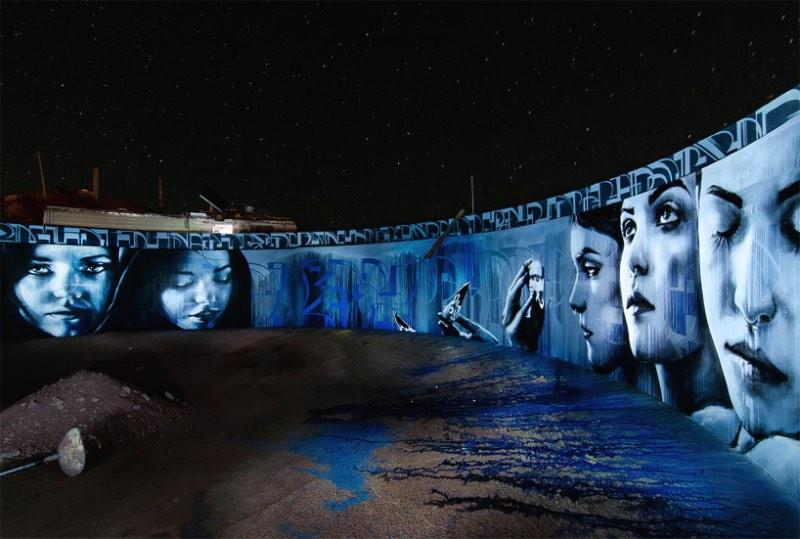 Nos desertos da Califórnia foi onde a artista Christina Angelina encontrou o espaço que ela queria para pintar Kinetoscope, um mural circular dentro de uma caixa d'água abandonada.