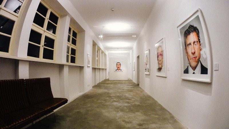 Os retratos de Martin Schoeller numa exposição em Berlin width=