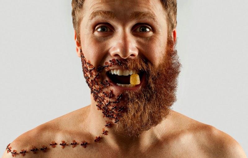 Selfies e barbas foi o que Adriano Alarcon resolveu explorar nesse projeto fotográfico. Foram 4 meses para deixar a barba crescer e pronto.