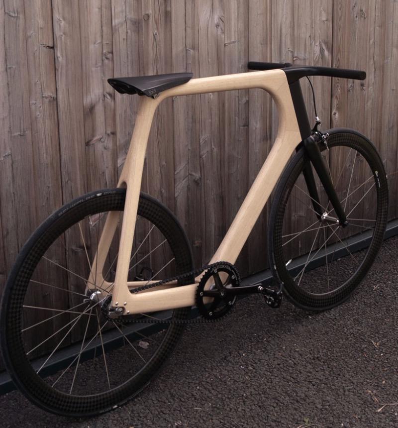 A Keim produz bicicletas de altíssima qualidade e é isso que eles fizeram no seu mais novo modelo: Arvak. Essa bicicleta recebeu o nome do cavalo que puxa o sol pelos céus na mitologia nórdica e faz parte da busca a alma do ciclismo que a Keim anda fazendo há anos.