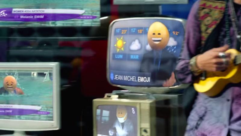 A gente já sabe que todas as marcas de hoje estão numa relação amorosa com emojis. A última marca a inserir emojis no seu material publicitário foi o McDonalds com seu video que resolvi chamar de os Emojis do McDonalds. O vídeo em si é bem simples e mal mostra o produto que deixou o McDonalds tão famoso. Aqui você vai ver uma série de personagens andando por uma cidade enquanto dezenas de emoções passam por suas cabeças em forma de diferente emojis. É isso.