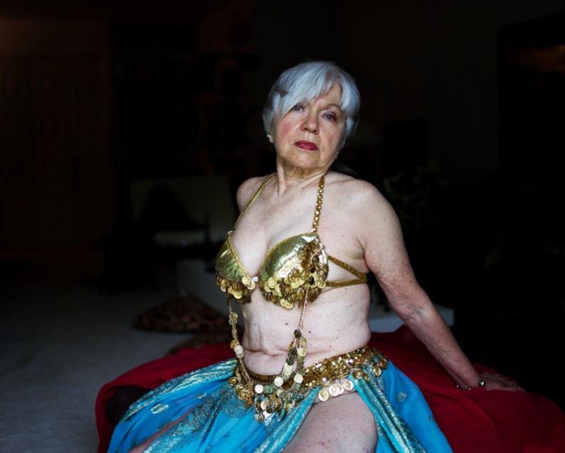 Almost Naked é o nome dessa série de fotográfica onde Shen Wei explora a sexualidade e a identidade sexual dos americanos nos Estados Unidos. A ideia desse projeto surgiu da criação conservadora de She Wei na China e o choque que ocorreu quando a realidade dos Estados Unidos se mostrou.