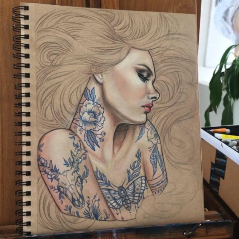 Wendy Ortiz é uma artista auto-didata que produz belíssimas pinturas que podem ser melhor apreciadas nas imagens abaixo. Mas, ela não fica só nas pinturas, ela também faz tatuagens lá em Anaheim, na Califórnia, e você pode ver esse lado do seu trabalho aqui.