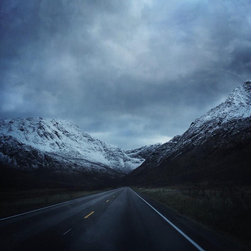 O Norte da Noruega pode se transformar em um lugar mágico quando é retratado pelo olhar de alguns fotógrafos. Foi isso que Bjørg-Elise Tuppen conseguiu fazer ao explorar o paralelo 68º norte, na região de Vestfjorden. E, essas fotos você pode ver logo abaixo.