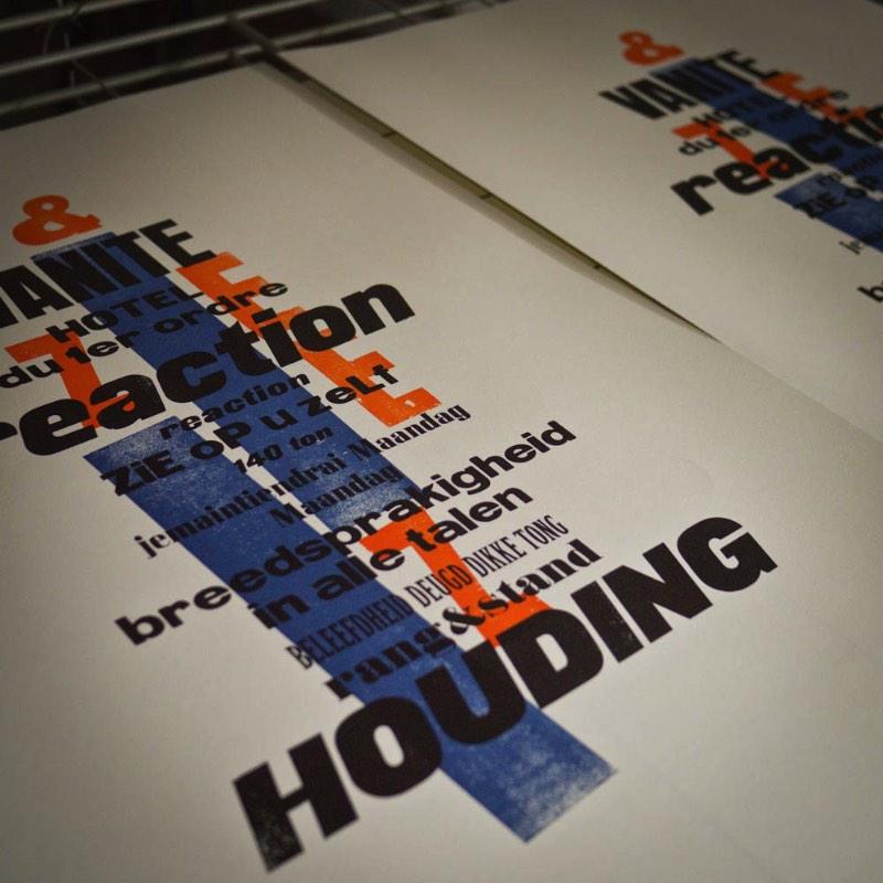 The New Call (1 & 2) é o mais novo projeto do Bunkertype onde os conceitos visuais de H.N. Werkman são retrabalhados com o foco em uma reinterpretação mais madura e pessoal. Nos posters que você vai ver logo abaixo, o objetivo era o de expandir os recursos usados no trabalho final. Dessa forma acabou surgindo uma série de imagens inspiradas no conceito criado por H.N. Werkman.