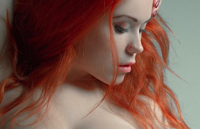 Muitas pessoas dizem que existe uma linha sutil que divide o trabalho de fotografia erótica de pornografia. E é ai que o trabalho do fotógrafo russo Boris Bugaev existe como vocês podem ver nas fotografias que ele fez da modelo austríaca conhecida como Slavka Solnechnaya.