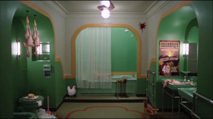 The Chickening é um curta metragem surreal que passou no Sundance de 2016 e deve ter deixado muita gente de boa aberta. O filme é o trabalho coletivo de Nick DenBoer e Davy Force que separaram, recortaram, reanimaram e distorceram completamente uma das obras primas do falecido diretor Stanley Kubrick. The Chickening é um remix bizarro de The Shining, o Iluminado em português, e esse filme nunca mais será o mesmo.