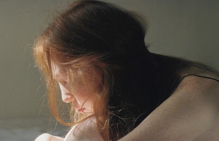 Women é o nome de uma série fotográfica de Johanna Stickland onde ela explora o gênero feminino. Suas fotos não são nada sensualizadas e mostram o corpo humano de um jeito honesto que mostra algo que, acredito, seja a forma de que mulheres vejam a si mesmas.