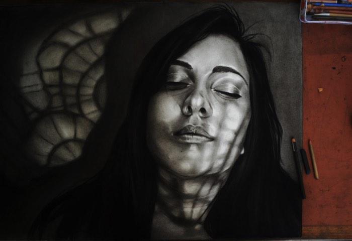 As ilustrações de Dylan Andrews experimentam com a forma de mostrar emoções sem precisar usar expressões faciais, no lugar disso, ele usa uma ênfase na manipulação de luzes e sombras para criar construções dramáticas e atmosferas intensas. Cada um dos retratos criados pelo artista com essa finalidade, acabam mostrando padrões sobrepostos, como se a pessoa que estivesse observando a obra estivesse no lugar de um objeto que está sendo refletido na ilustração. Cada retrato vem com uma máscara de sombras diferente e que, pode ou não, estar construindo ou obstruindo a identidade do retrato.