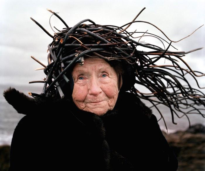 Eyes as Big as Plates é o nome de uma série fotográfica criada por Karoline Hjorth e Riitta Ikonen onde o foco das suas câmeras se volta para marinheiros, fazendeiros aposentados e pessoas de idade que moram na Noruega. A ideia começou com um trabalho relacionado ao folclore nórdico e acabou se tornando um estudo visual voltado para a forma com a qual nós lidamos com a natureza.