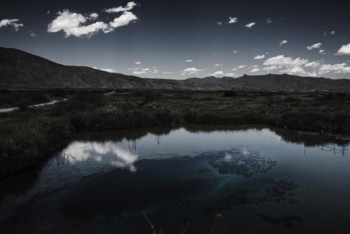 Já acompanho o trabalho de fotografia da Nydia Lilian no Behance tem alguns anos mas fiquei surpreso em saber que nunca publiquei nada dela por aqui. Para resolver isso, acabei selecionando algumas das imagens que ela tem em seu portfolio e acabei focando nas suas fotografias de paisagens.