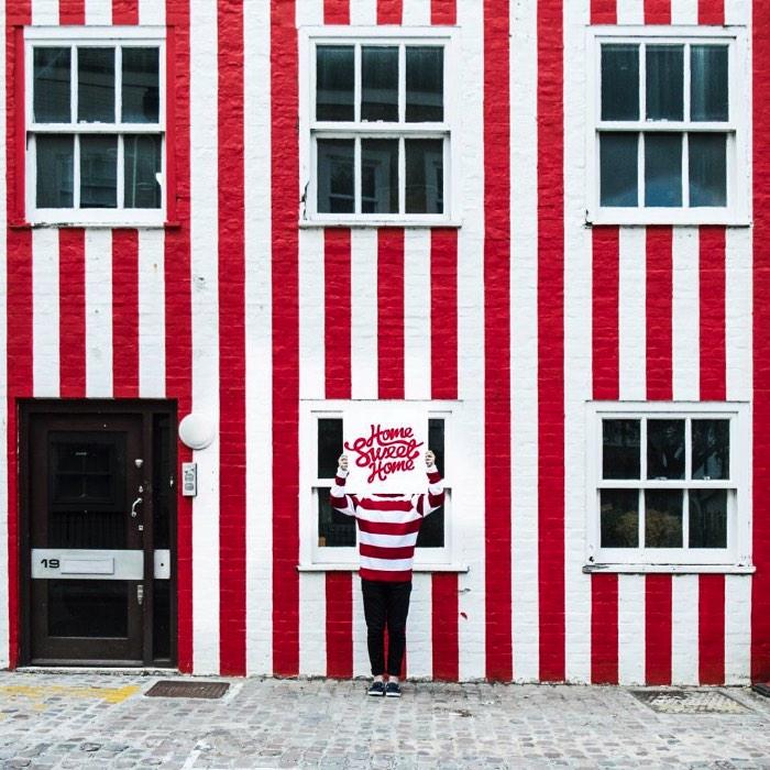 Foi em Londres que surgiu uma versão de Onde esta Wally no Mundo Real e você pode acompanhar tudo direto no instagram @wallyfound. Tudo começou como um tributo, uma homenagem aos livros que fizeram tanto sucesso nos anos noventa e a todo universo visual que veio junto.
