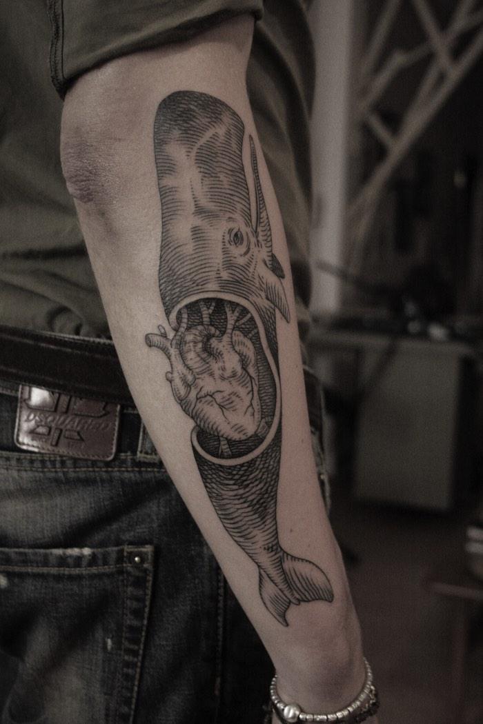 Algumas pessoas podem achar que tatuagens de animais em pedaços podem parecer um pouco macabras mas o trabalho de tatuagem de Ottorino D'Ambra não tem nada disso. E, ele seleciona animais como tema de seu trabalho por considerar que eles são mais próximos de nós do que pensamos. Então, quando ele os dilacera em suas ilustrações, ele quer apenas mostrar o que está escondido dentro deles. O que pode soar bem pesado mas, como pode ser visto nas imagens abaixo, não tem nada disso.