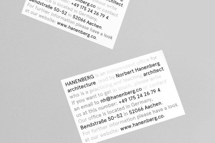 Max Kuwertz é um diretor de arte e designer alemão que estudou design integrado na Köln International School of Design. Depois ele foi para Nova Iorque estudar design na Parsons e design de produto na PolyU de Hong Kong. E ele não parou por ai. Depois de se graduar em todas essas escolas, ele se tornou um dos diretores de arte na Meiré und Meiré. Hoje em dia, ele tem seu próprio estúdio em Berlim, na Alemanha.