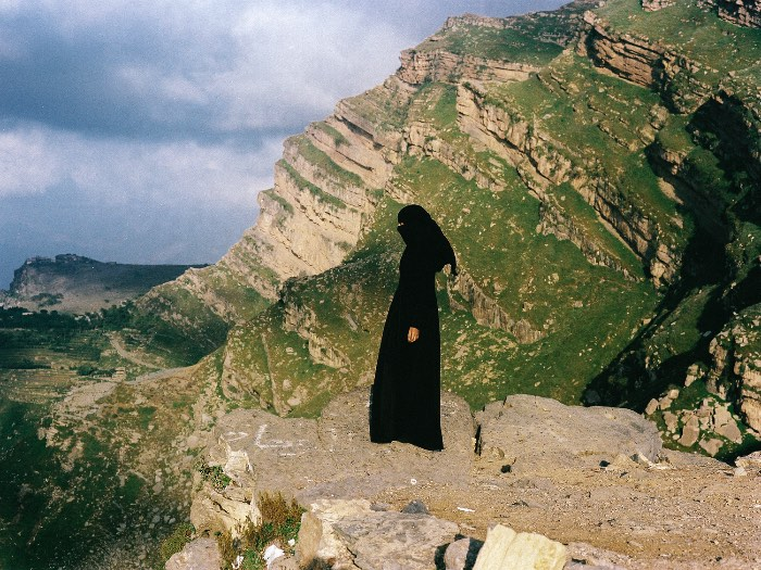 Yumna Al-Arashi é uma fotógrafa americana que tem um projeto fotográfico especial focado em retratar a beleza do Yemen, com uma atenção especial a força das mulheres do país.