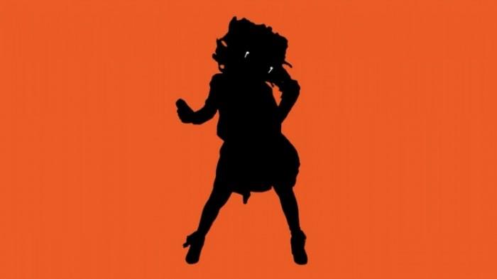Quando a Apple apresentou seus headphones sem fio, imediatamente, surgiram comentários de que esses pequenos apetrechos sonoros iriam se perder facilmente e para todo o sempre. Chamados de Apple Airpod, esses pequenos headphones não tem fios e viraram motivo de piada ao mesmo tempo que foram lançados. Um dos maiores nomes da comédia da televisão americana resolveu criar um comercial que mostre todos os nossos sentimentos em relação a isso.