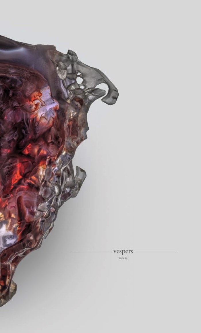 Foi usando das mais avançadas tecnologias de impressão 3D que o MIT desenvolveu a máscara mortuária do futuro. Essas máscaras da morte receberam o nome de Vespers e exploram muito bem os limites e as interseções da vida e da morte mas de um jeito bem abstrato e cheio de arte.
