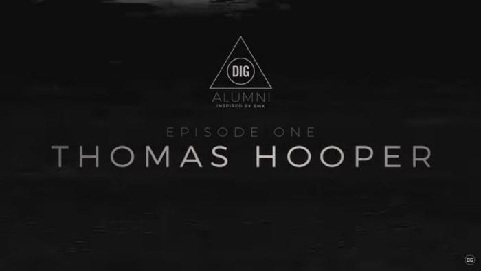 O primeiro episódio da Inspired by BMX traz um dos meus tatuadores favoritos para a frente das câmeras: Thomas Hooper. Para ele, BMX, hardcore e tatuagem andavam de mãos dadas e foi assim que ele acabou mergulhando, cada vez mais fundo, nesses mundos e se tornou o profissional fenomenal que é hoje em dia.
