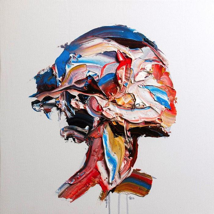 Salman Khoshroo pinta retratos gigantes usando de técnicas de pintura não usadas muito por ai. Esse artista baseado no Teerã cria imagens que parecem estar se movendo na tela, como se elas estivessem derretendo. Para chegar a esses resultados, ele usa uma faca larga e dezenas de blocos de tinta que são esfregados na tela para criar formas diferentes. Só chegando perto que é possível identificar o que foi criado.