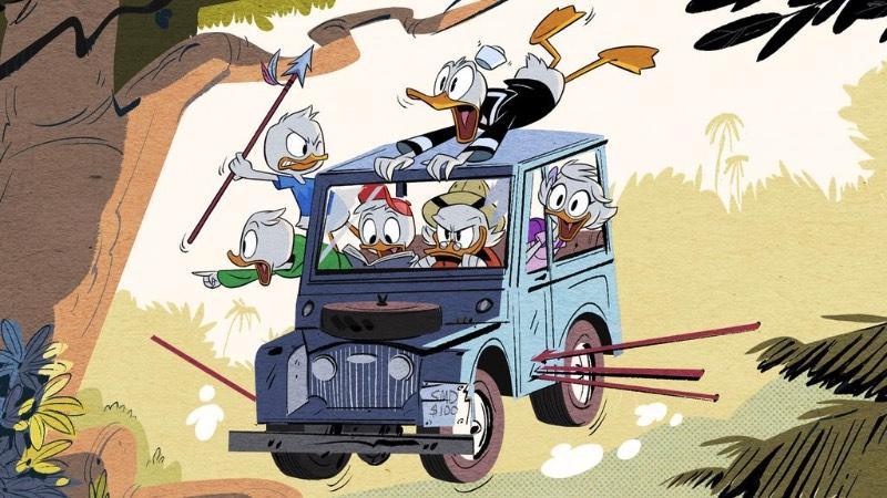 Para essa versão de 2017 de Ducktales, a Disney colocou Felicia Barton para cantar a música tema, composta por Mark C. Mueller, produzida por Michal Smith e composta por Dominic Lewis. Mas, o que mais me chamou a atenção em tudo que eu vi de Ducktales 2017 é como o traço da animação mudou completamente. Inspirado pelo estilo clássico de Carl Banks, a turma de Tio Patinhas, Pato Donald e seus sobrinhos e todos os outros tem um visual renovado e que parece muito mais moderno. Não sei você mas eu estou bem curioso para ver o primeiro episódio dessa clássica série de animação que marcou muito minha infância.