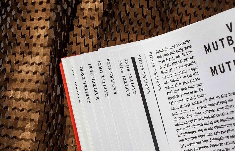 Bruch Idee & Form é um estúdio de design fundado por Kurt Glänzer e Josef Heigl, na cidade de Graz, na Áustria. Eles são reconhecidos no país como uma referência de design gráfico e seus serviços são divididos entre design editorial, web design, embalagens e branding.